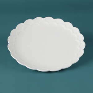 31216 Duncan Bisque Scalloped Dinner Plate